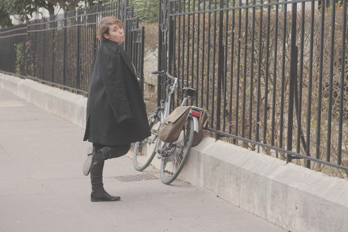 w/ bike and my big hot pull in a Lyon street