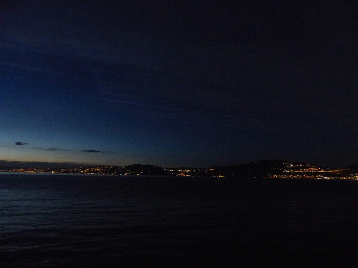 Evian,  ville d'eaux, fin d'après midi ensoleillé.