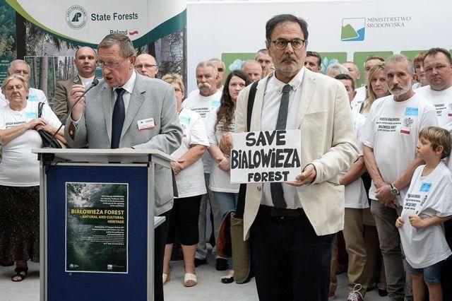 El ministro polaco y el cura contra el bosque de Bialowieza