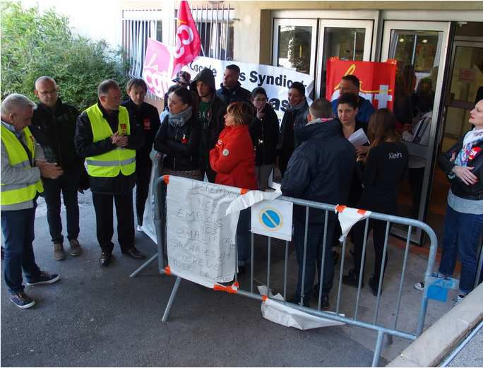 Foyer Jeunes Travailleurs Salon De Provence : Carpentras ravage de l austérité au foyer des jeunes