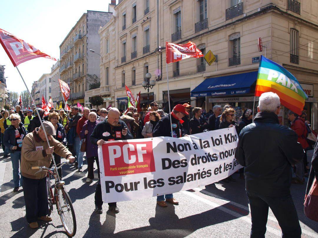 9 avril à Avignon, Manifestation contre la casse du code du travail, 2500 participants, la section Oswald Calvetti y était