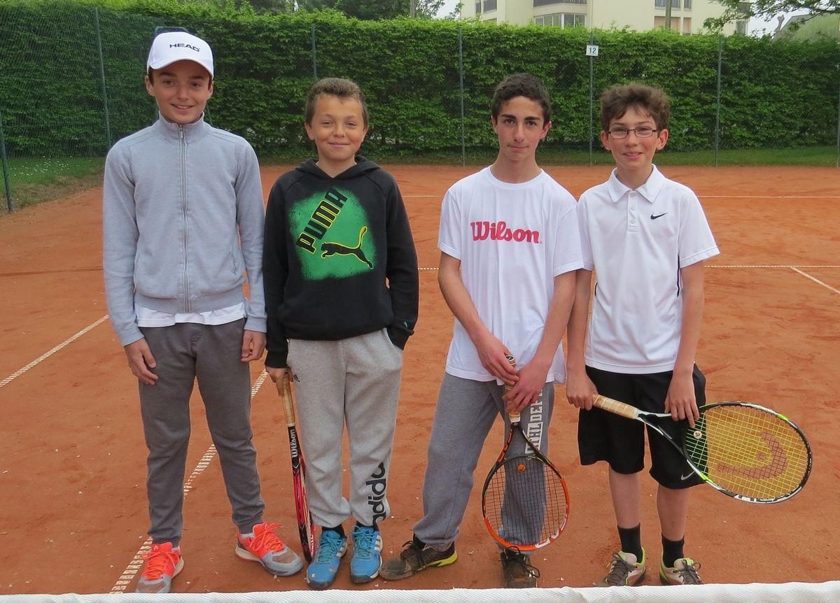Gabin Croullebois, Pablo Lequesne, Thomas Kechichian, Benoit Plissonnier. Défaite 3/0 à Argences