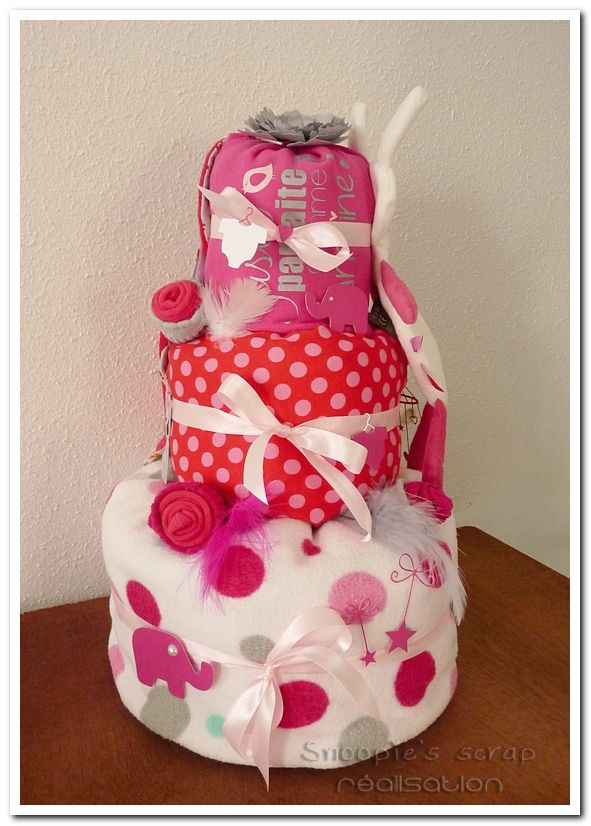 Gâteau de couches &amp&#x3B; Poncho de bain Elisa - Rose, fuschia, rouge, gris et une touche de turquoise