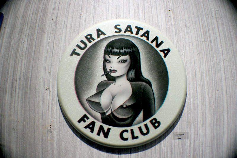 Pin Up: Tribute to Tura Satana