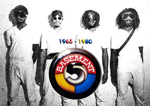 One track a day: LAST WHITE CHRISTMAS by Basement 5