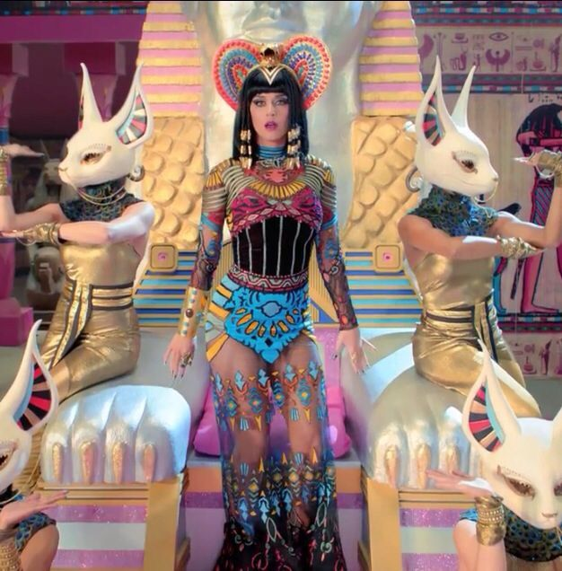 Cleopatra: Pop Music (7))