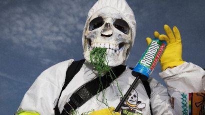 Fusion Monsanto-Bayer : « C'est un empoisonneur qui achète un autre empoisonneur »