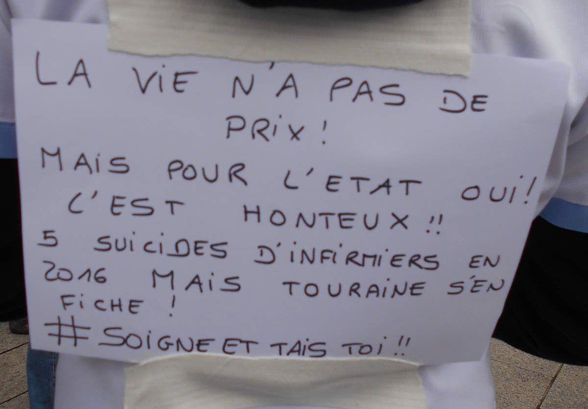 Caen: 500 personnes manifestent contre la loi santé