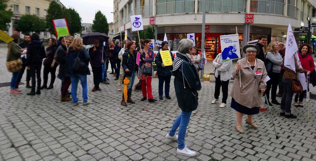 Rassemblement du Collectif pour les Droits des Femmes 14 vendredi 29 septembre