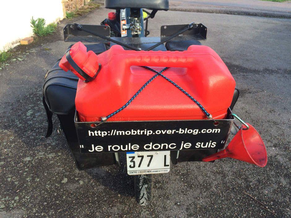 MBK 51 Road trip mobylette voyage remorque equipement porte bagage