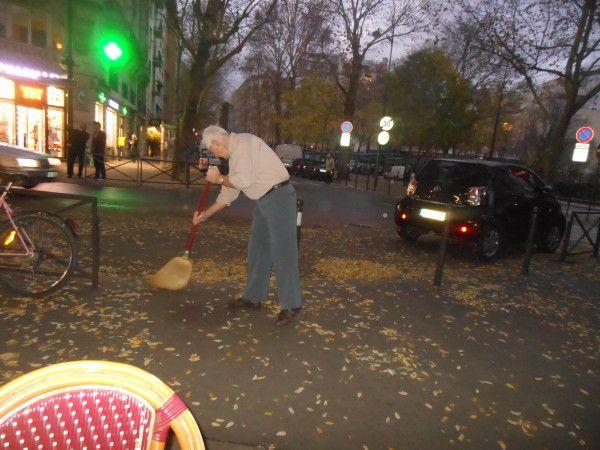 Paris. Avenue Théophile Gautier. Nov. 2012. © Jean-Louis Crimon