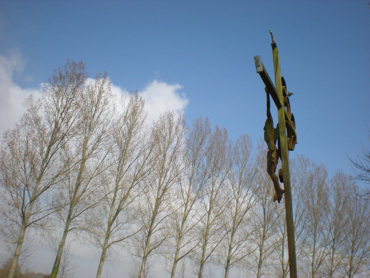 Contay. Le cimetière. Mars 2009. © Jean-Louis Crimon