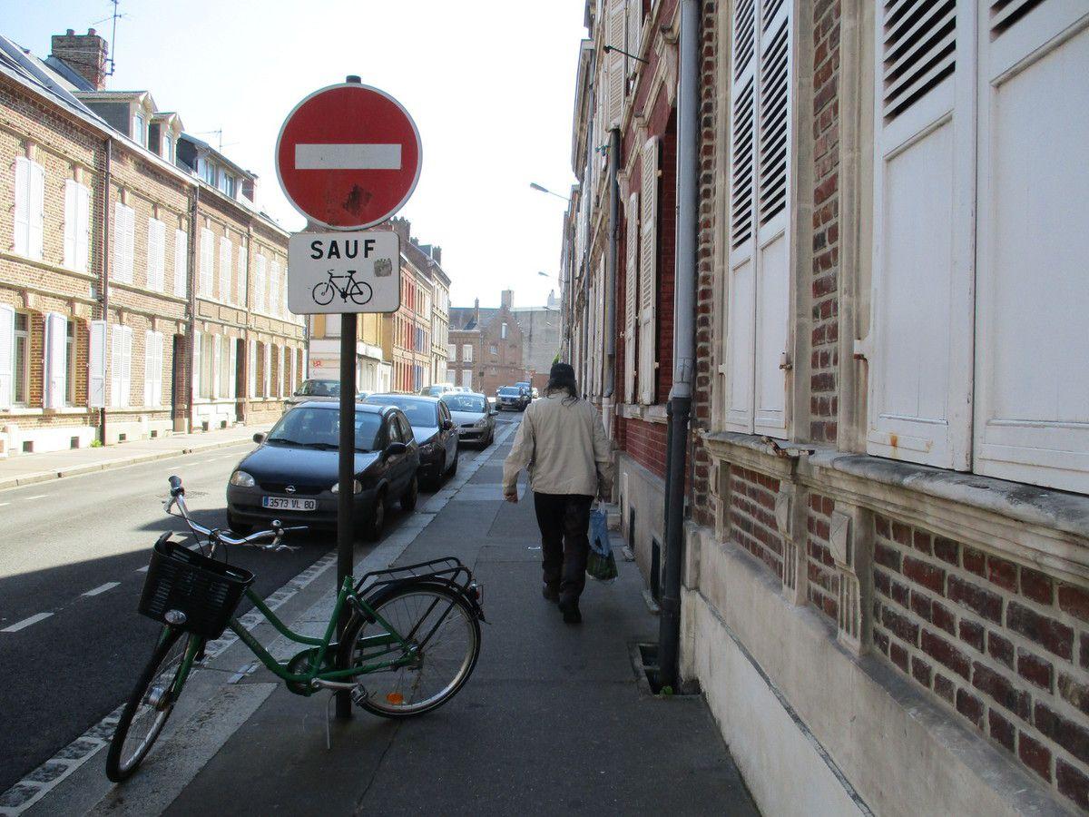 Amiens. Rue Evrard de Fouilloy. 13 Août 2016. © Jean-Louis Crimon