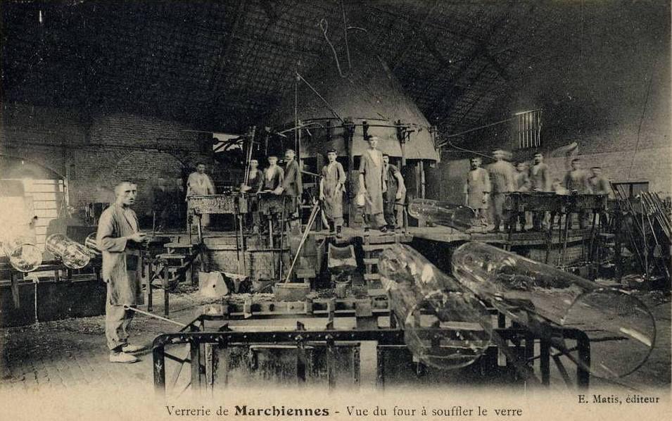 Par inconnu époque 1900 (Centre de mémoire de la verrerie d'en Haut) [Public domain], via Wikimedia Commons