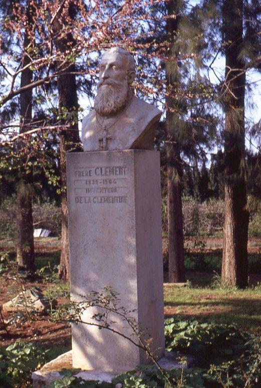 pierre tombale du Père Clément à Misserghin, crédit photo Wikipédia