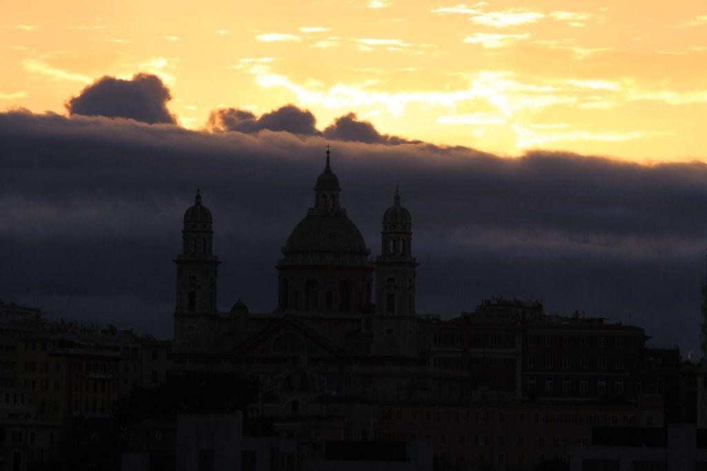 COUCHERS de SOLEIL à Gênes - ITALIE- Msc FANTASIA