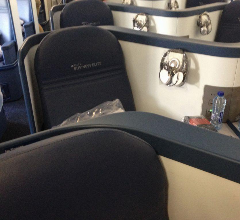 Paris - Seattle Delta Airlines
