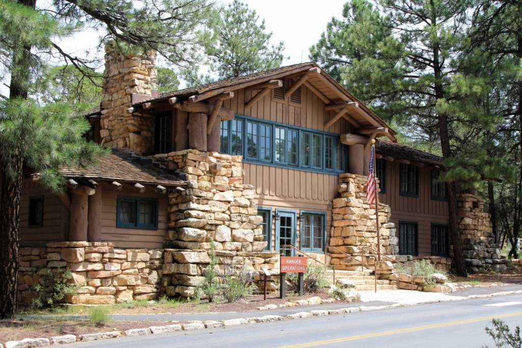 124 Grand Canyon village