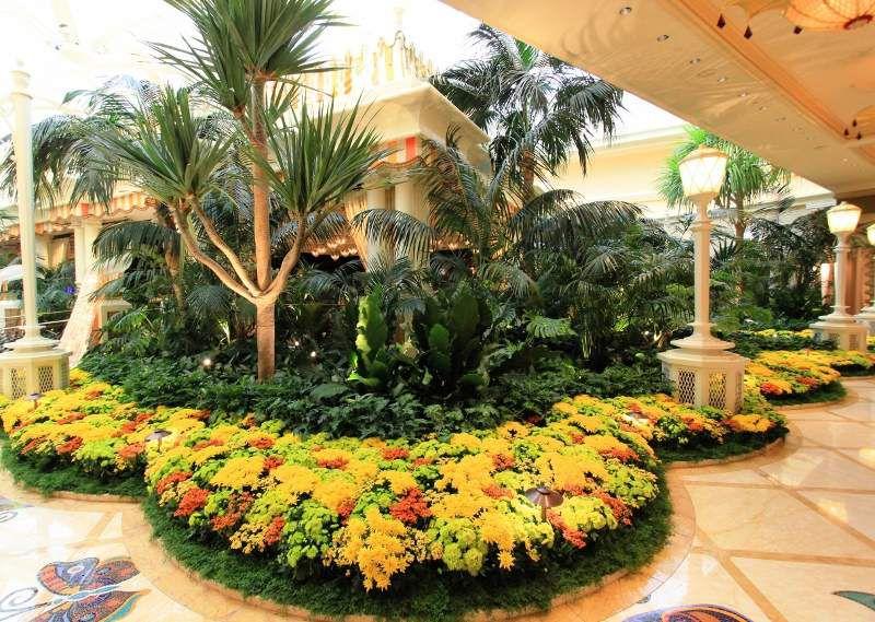 Le jardin ext rieur de l 39 h tel wynn encore las vegas for Jardin wynn