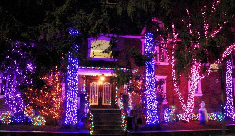 Dyker Heightz Christmas Lights / Illuminations des maisons particuliers New York partie 1