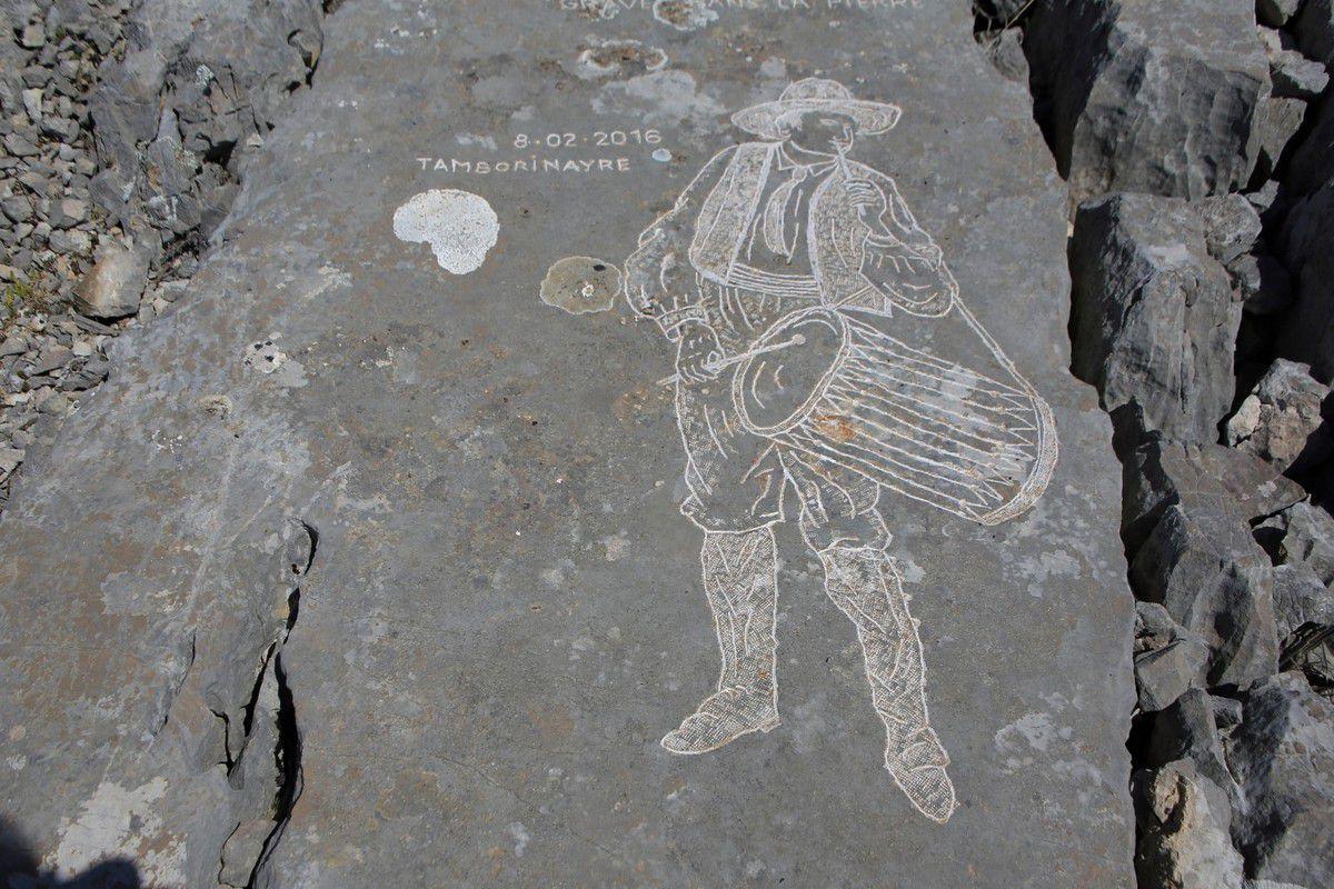 Garlaban. Les pierres gravées