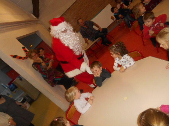 Père Noël est venu à l'école!!!