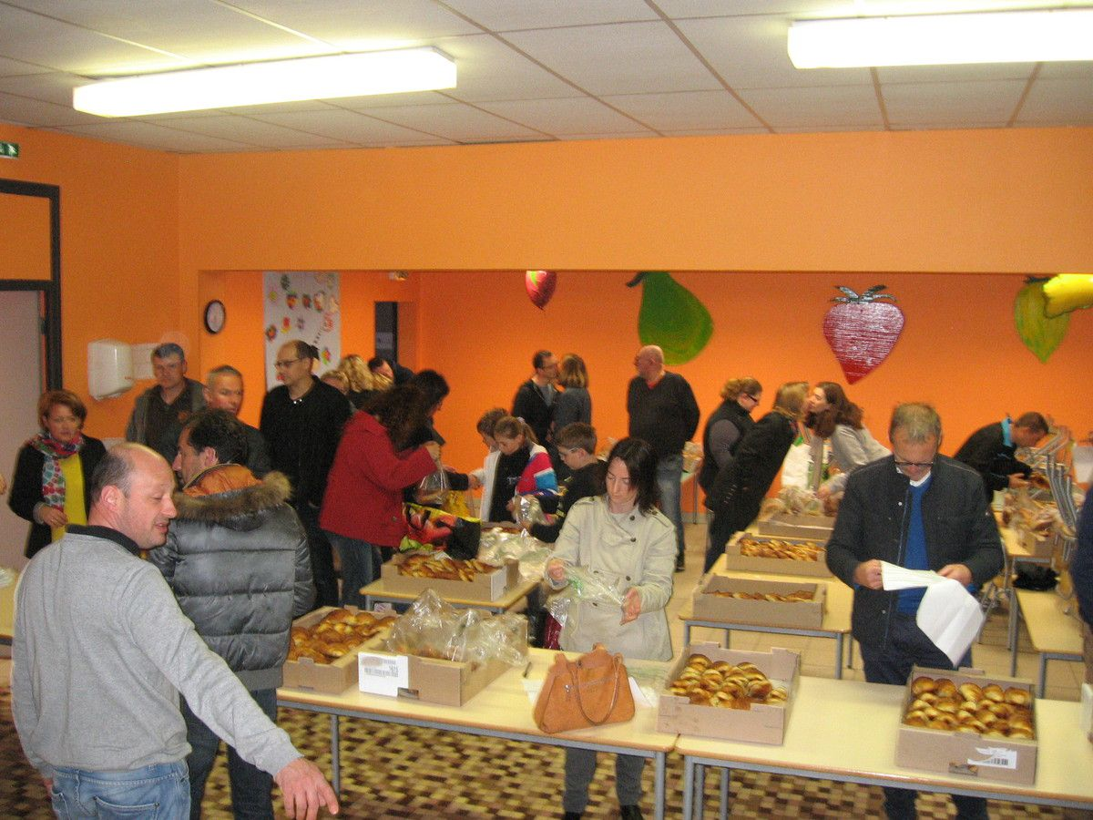 Distribution de 2300 croissants !