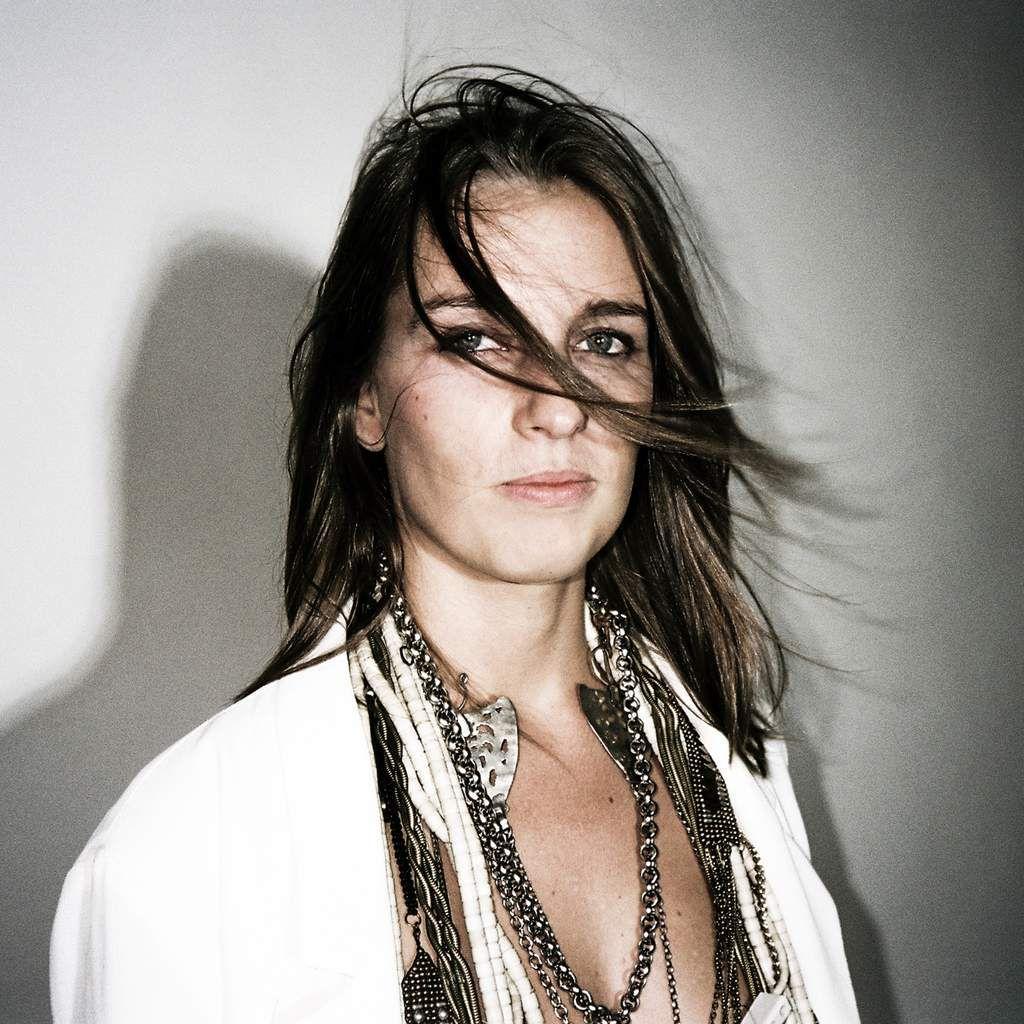 Interview de Mila Auguste pour la sortie de son nouvel EP