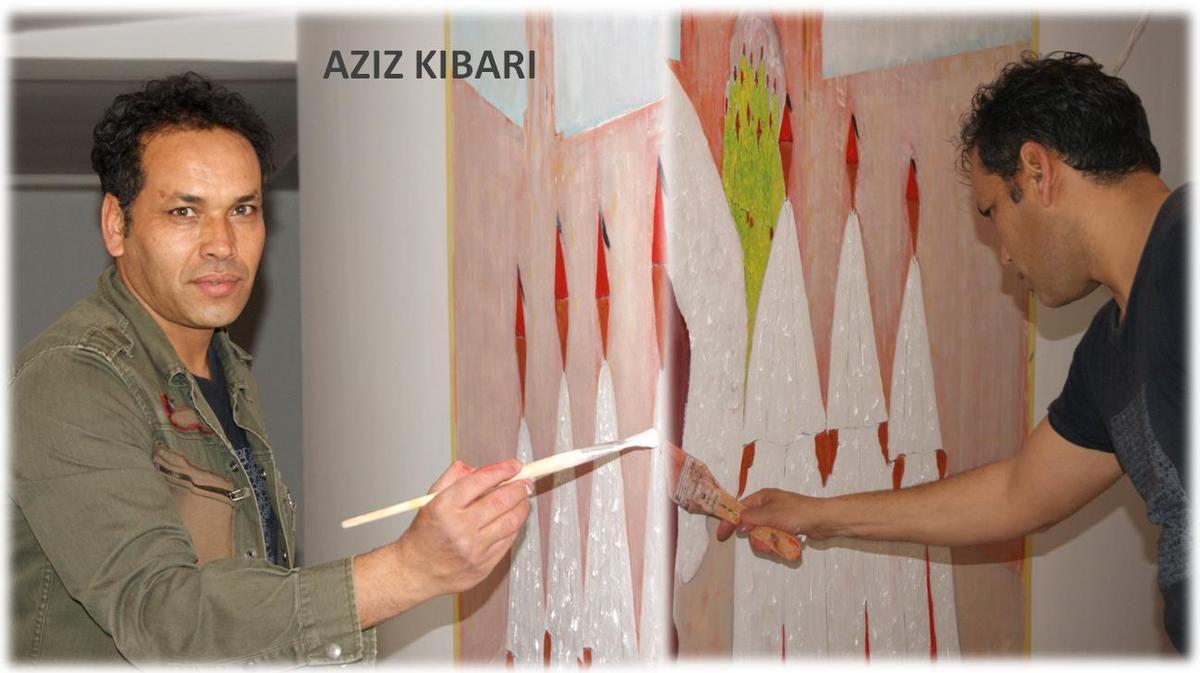 L´artistes pendant la réalisation de ses œuvres dans les locaux du Naoura Barrière. Avril 2015