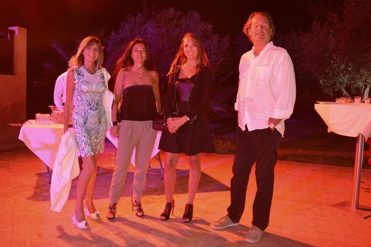 Exposition collective des artistes de la galerie Design and Co dans les jardins du Murano.