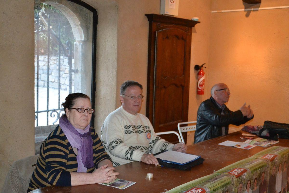 Echanges et discussions au Val avec leurs candidats Front de Gauche