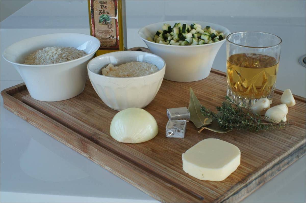 Risotto aux courgettes, tuiles de parmesan et chips de jambon.