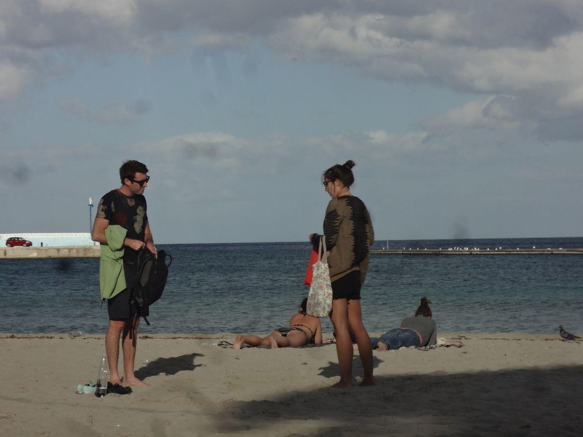 Piccola storia senza parole (Mondello Beach, Palermo, ottobre 2015)