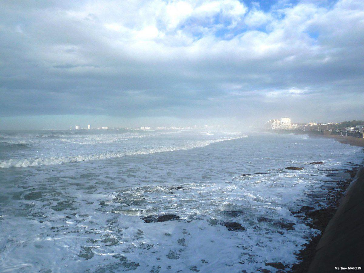 Brumes d'hiver sur la baie des Sables