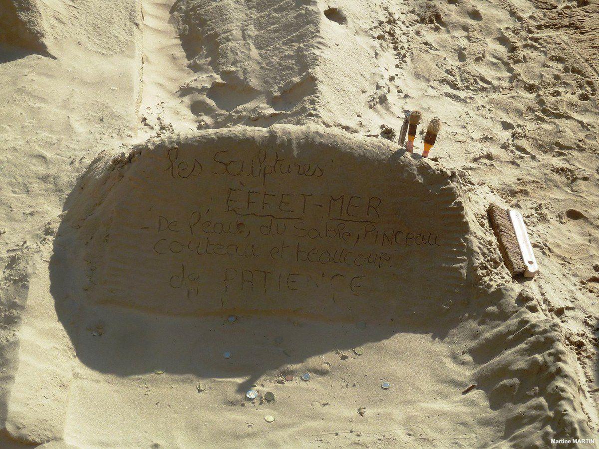 Éditer Supprimer Les sculptures effet mer sur la plage des Sables d'Olonne