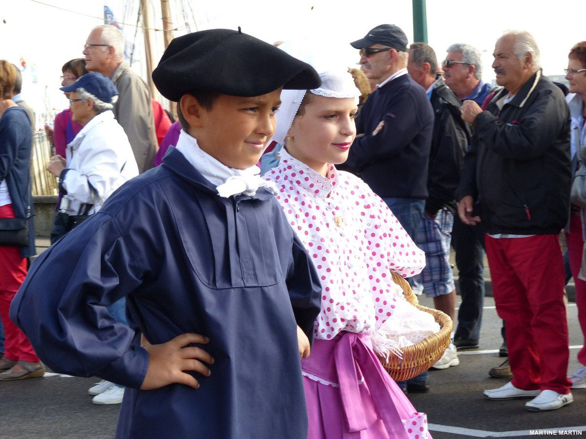 La grande bordée des Sables / défilé folklorique bise dur de St Gilles