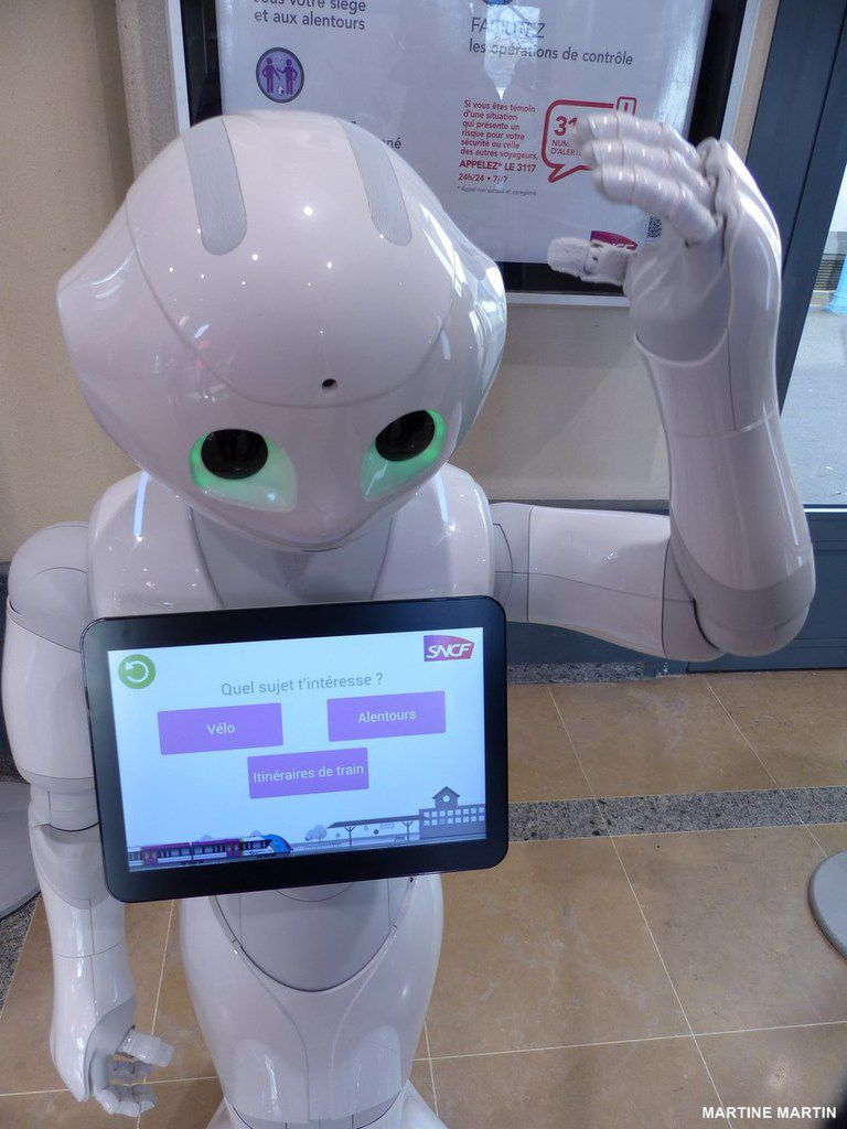 Un petit robot à la Gare SNCF des Sables d'Olonne