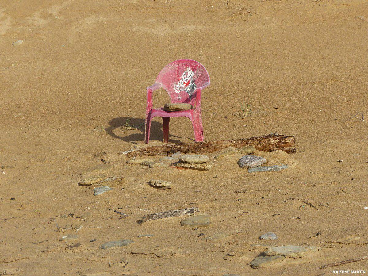 Invitation à descendre sur la plage de Sauveterre