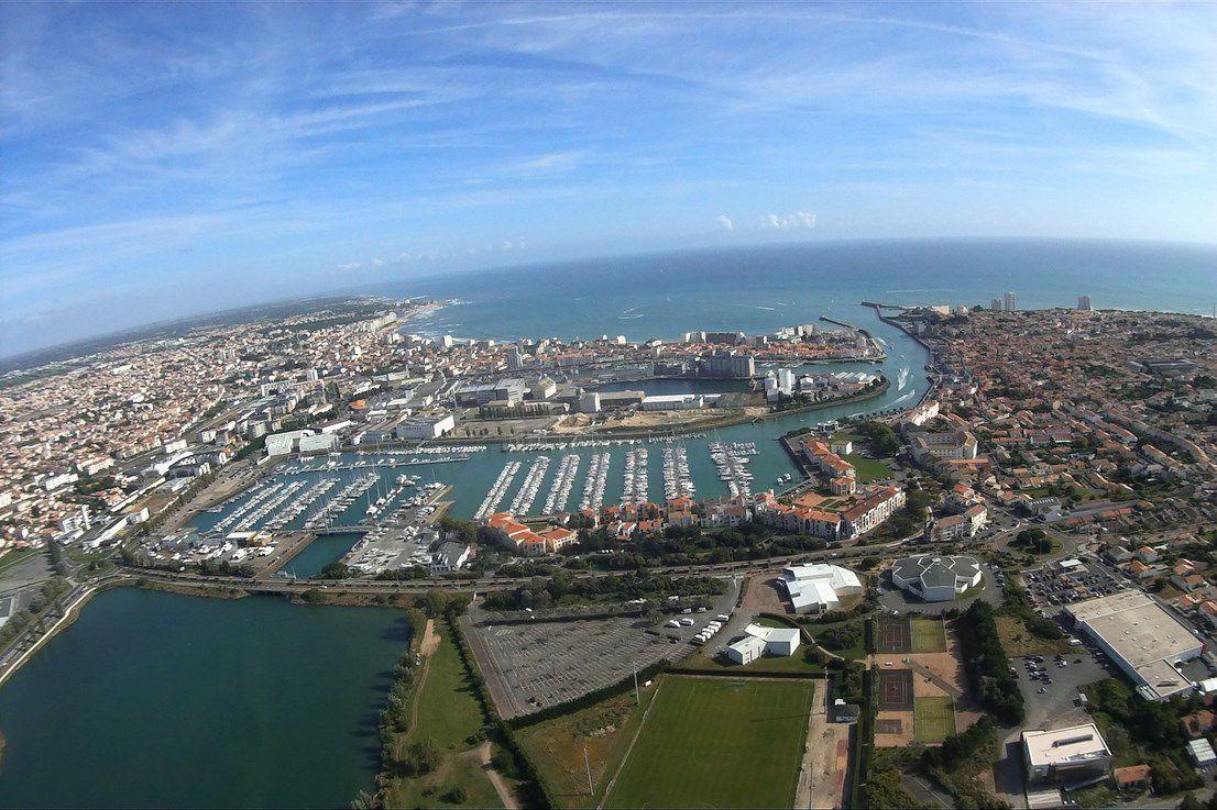 Vue aérienne des ports des Sables d'olonne