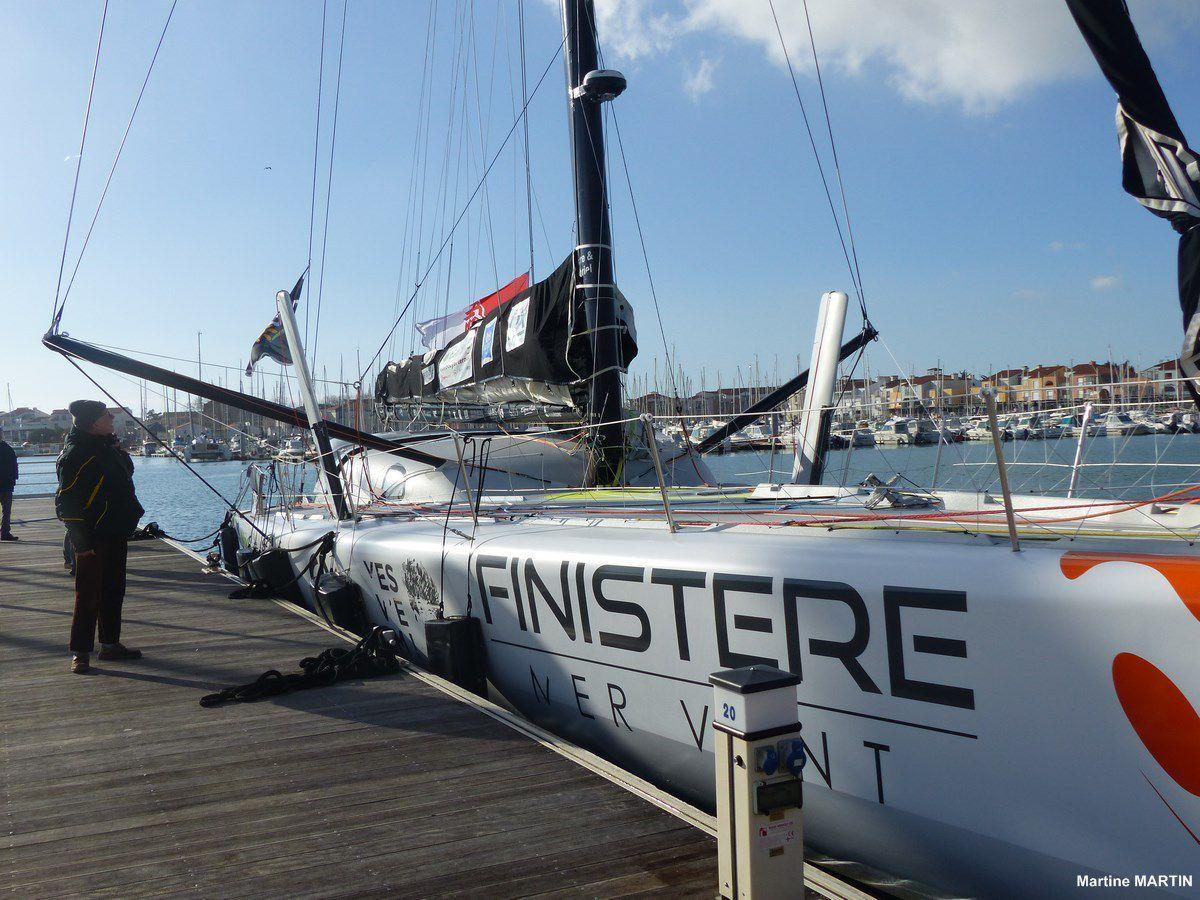 Vendée Globle : Bâteaux du Vendée Globe  à quai à Port Olona