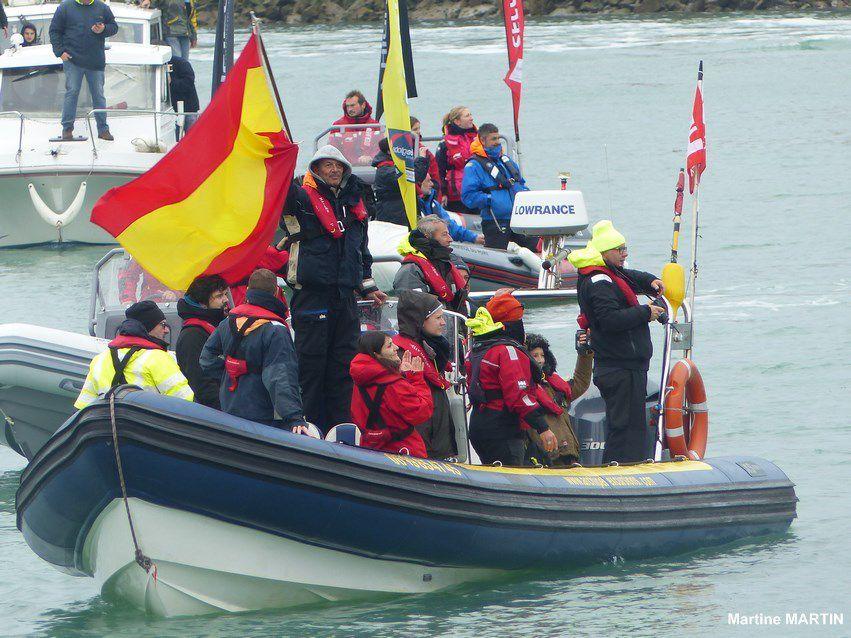 Vendée Globe 2017 : Arrivée Didac Costa aux Sables d'Olonnes