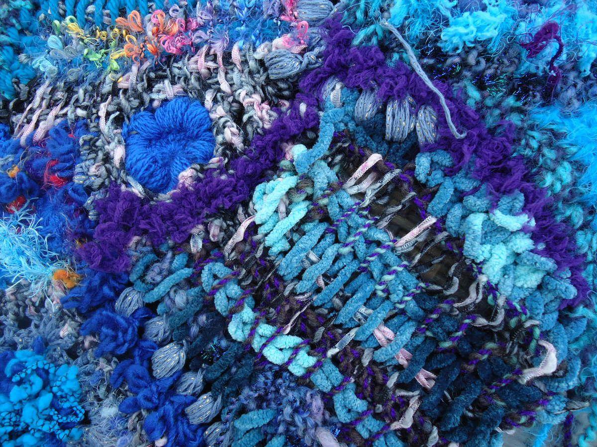 du point tunisien j'aime l'effet tissage qui mets ainsi en valeur les filé main ou les laines rubans