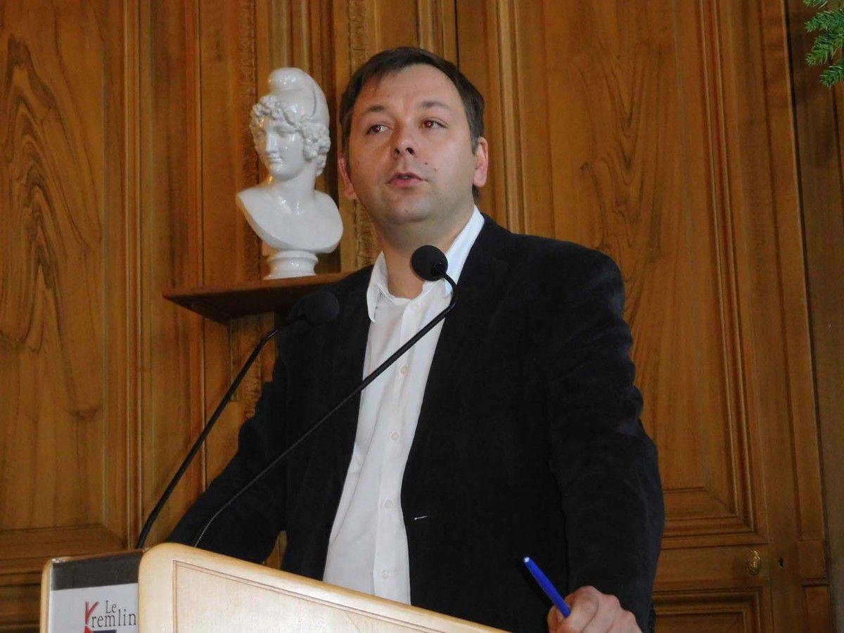 Bastien Faudot, intervenant le 4 décembre 2016 lors d'une séance du Conseil national du Mouvement Républicain et Citoyen (MRC)