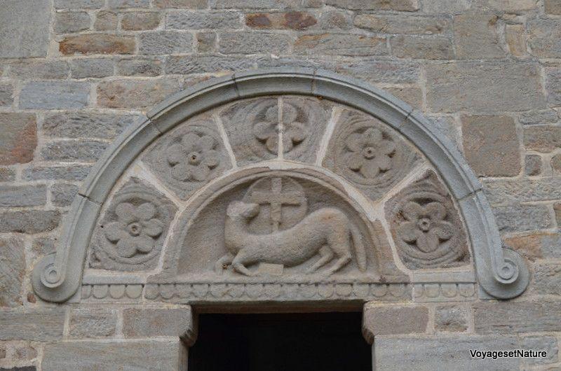 Portique latéral de Varenne-l'Arconce