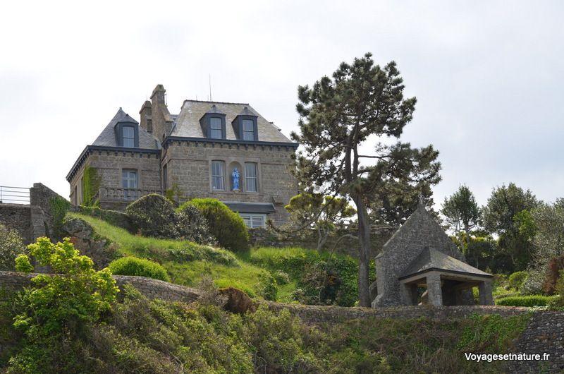 Plage de Dinard et maisons bourgeoises de la pointe du Moulinet
