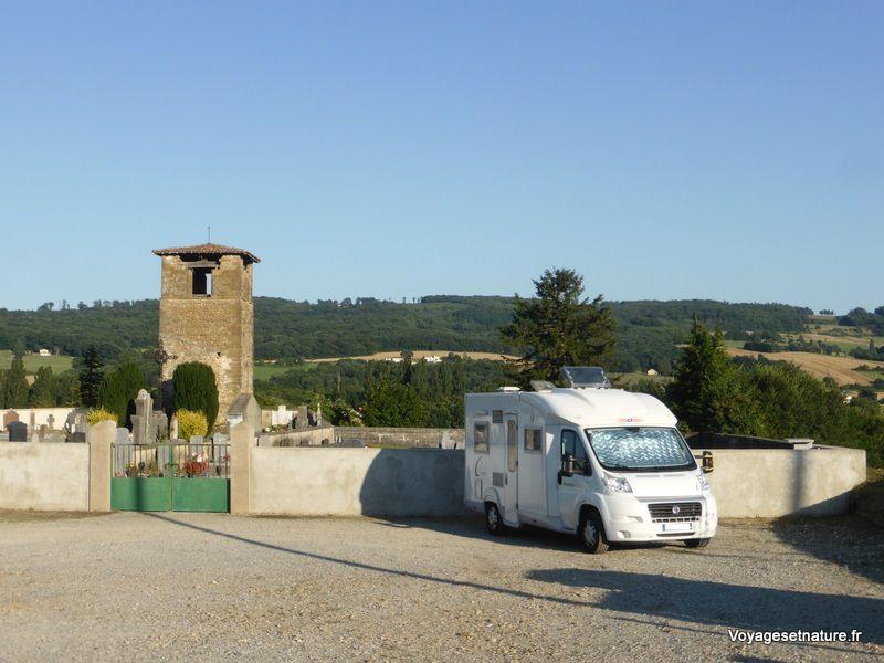 Halte à Crépol dans la Drôme des collines