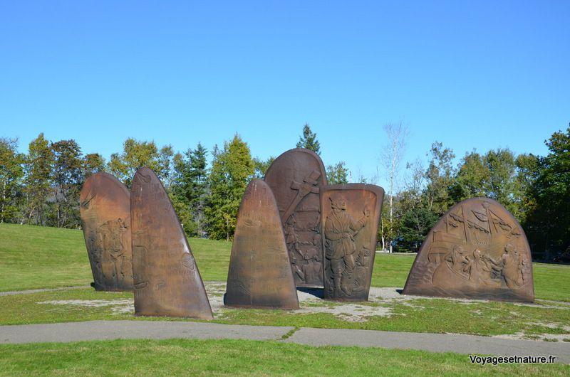 Monument Jacques Cartier à l'entrée de Gaspé