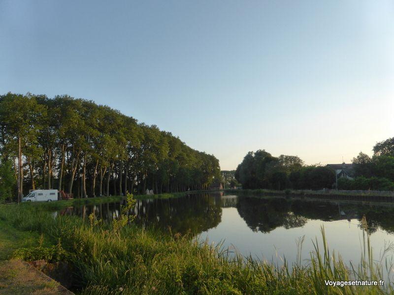 Halte à Ciry-le-Noble (71) près du canal du Centre