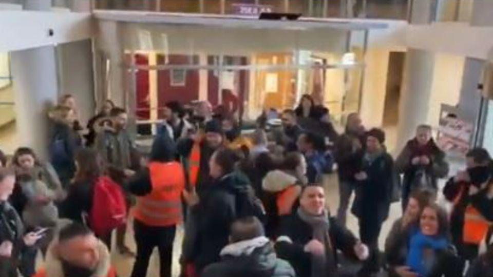 Violente intrusion au siège parisien de la CFDT