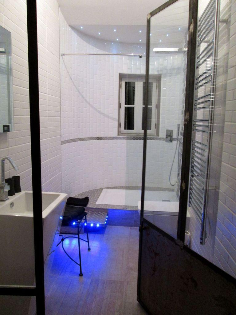Notre chambre, dans un style beaucoup plus moderne...